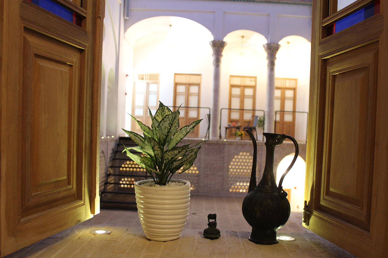 Hotel-Zaviyeh-Kashan-Iran-36